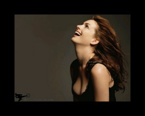Anne Hathaway Screensaver2